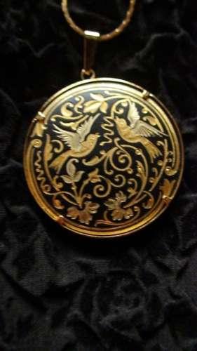 pandantiv aur negru de Toledo