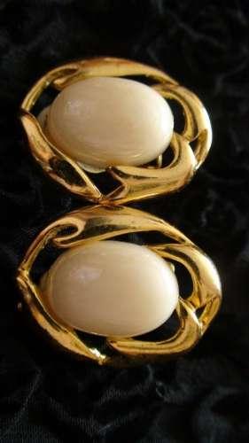 cercei ovali aurii vintage