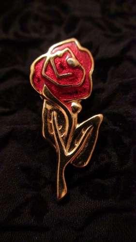 brosa trandafir vintage